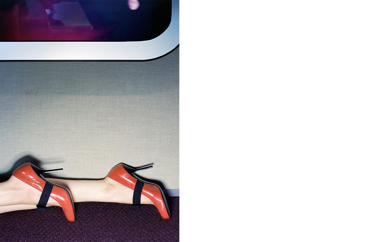 Vogue UNPUBLISHED   FASHION EDITOR Elissa Santisi SET DESIGN Kevin Bird