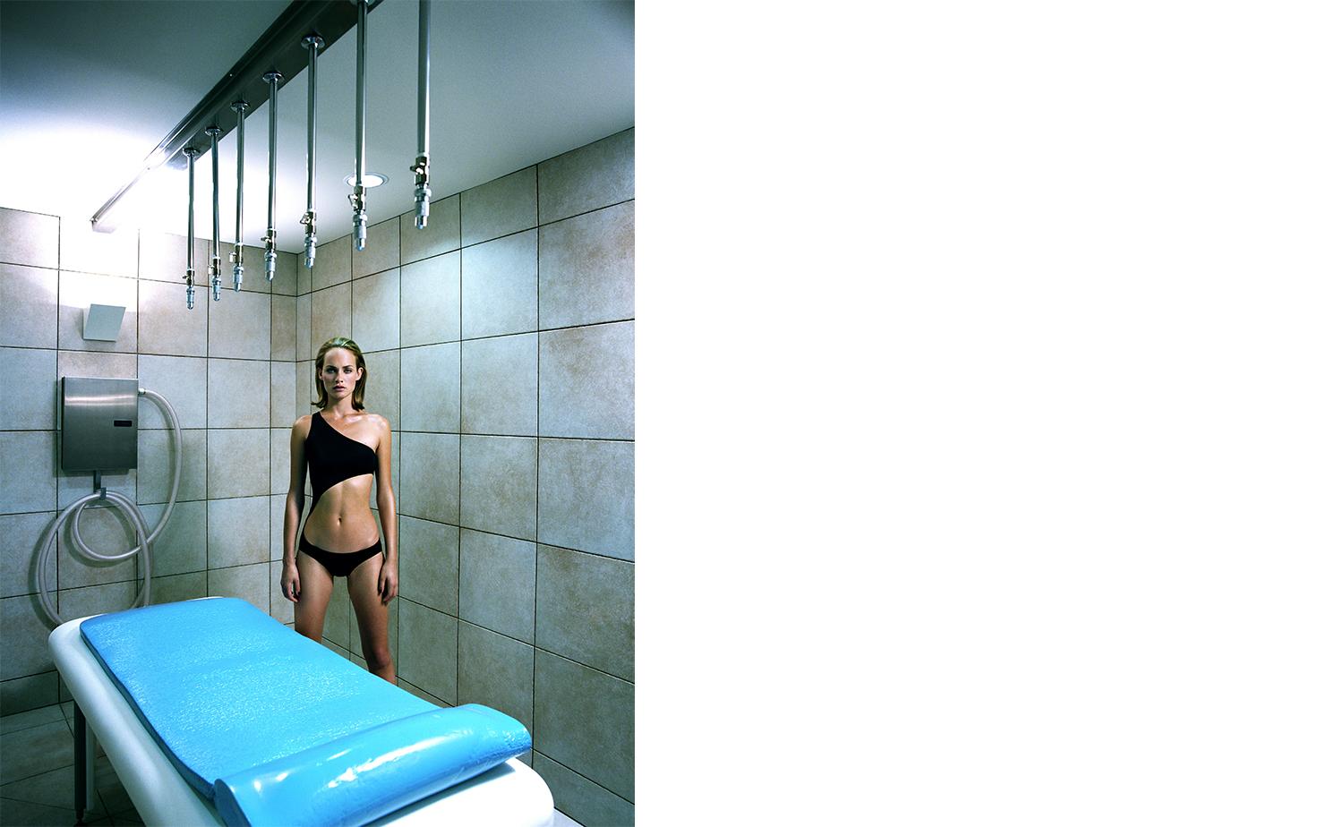 Harper's Bazaar   AMBER'S DAY AT THE DOOR   FASHION EDITOR Elissa Santisi MODEL Amber Valletta