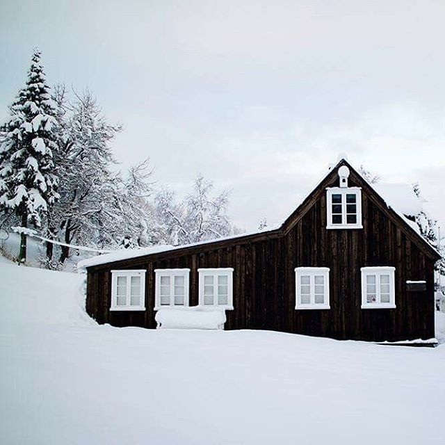 The house of Nonni. Jón Sveinsson, better knows as Nonni was an Icelandic children's writer and a member of the society of Jesus. He left Iceland for France in 1870, only 13 years old, where he conerted to Catholicism. This is his childhood home in Iceland. #nonni #akureyri #iceland #winter #minjasafnid #winterwonderland #nonnahús