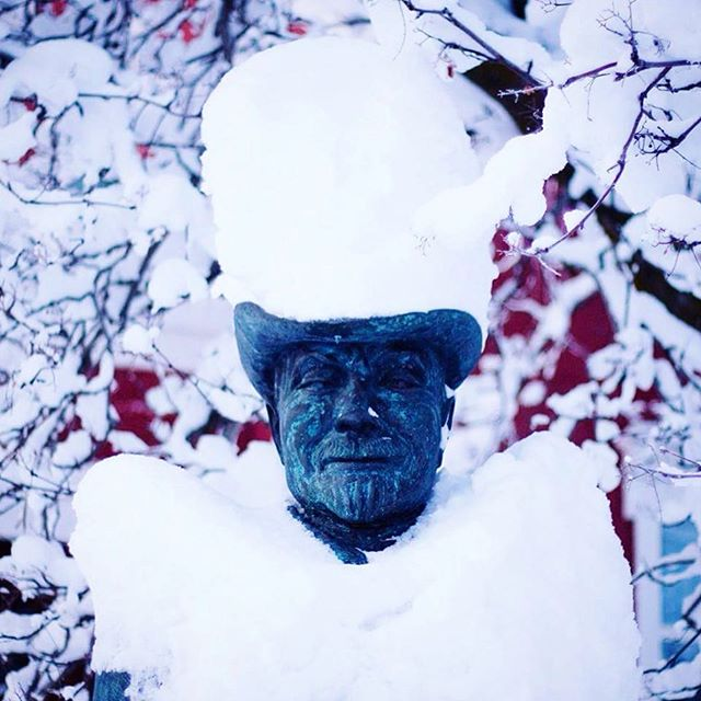 Jón Sveinsson. Nonni. #winter #akureyri #iceland #nonni #minjasafnid #snow #statue