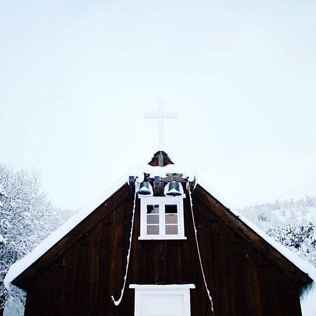 #winter #december #akureyri #iceland #church 🎄