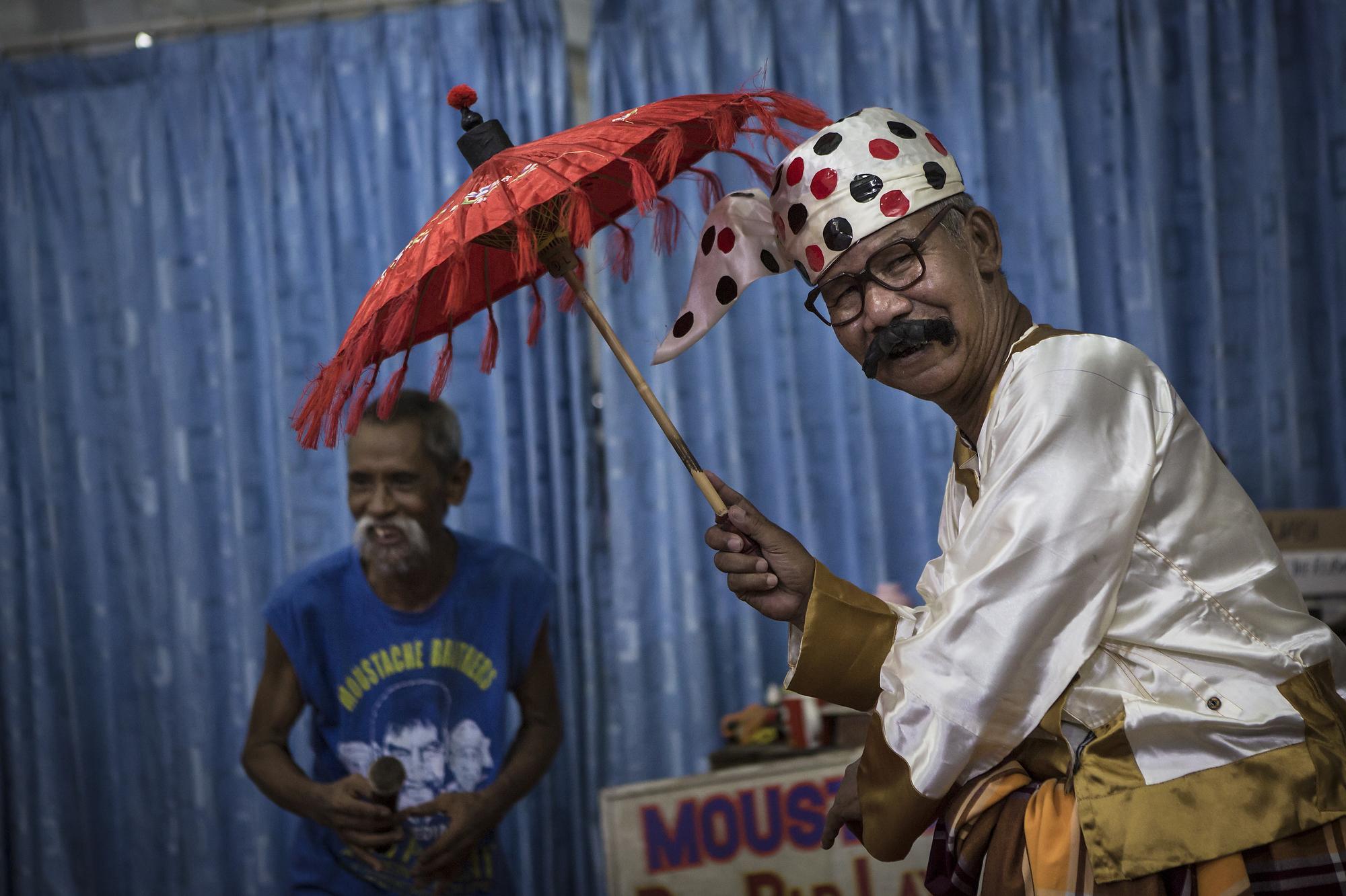 MW_Myanmar_Moustache_Brothers_0525_edit.jpg