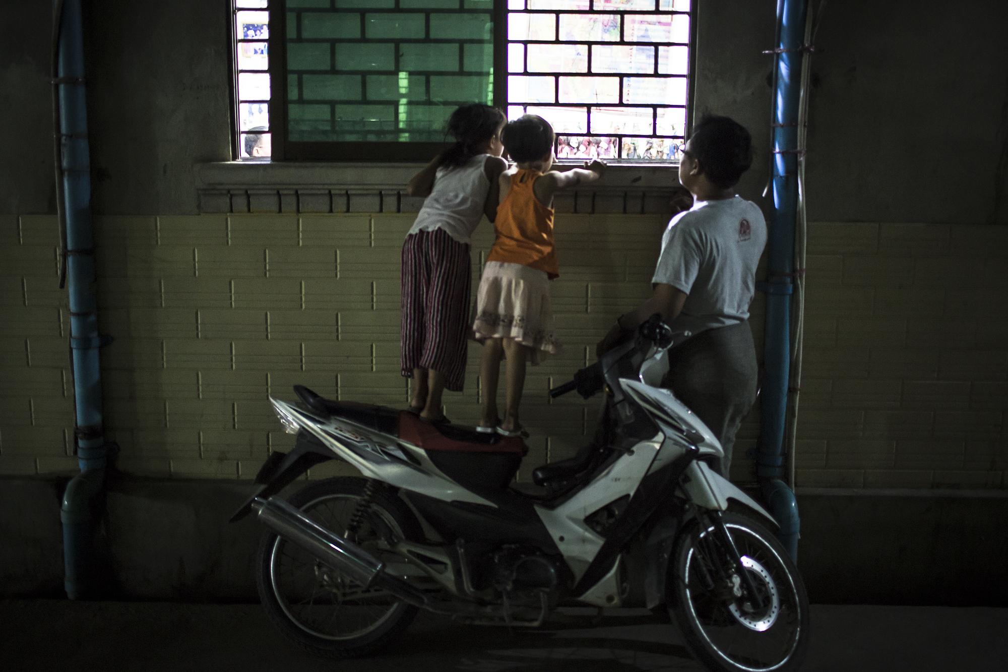 MW_Myanmar_Moustache_Brothers_1780_edit.jpg