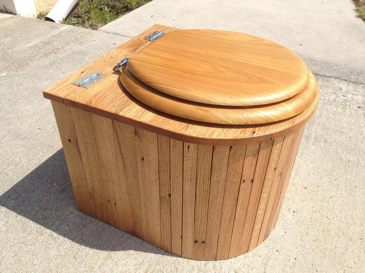 composting toilet.jpg