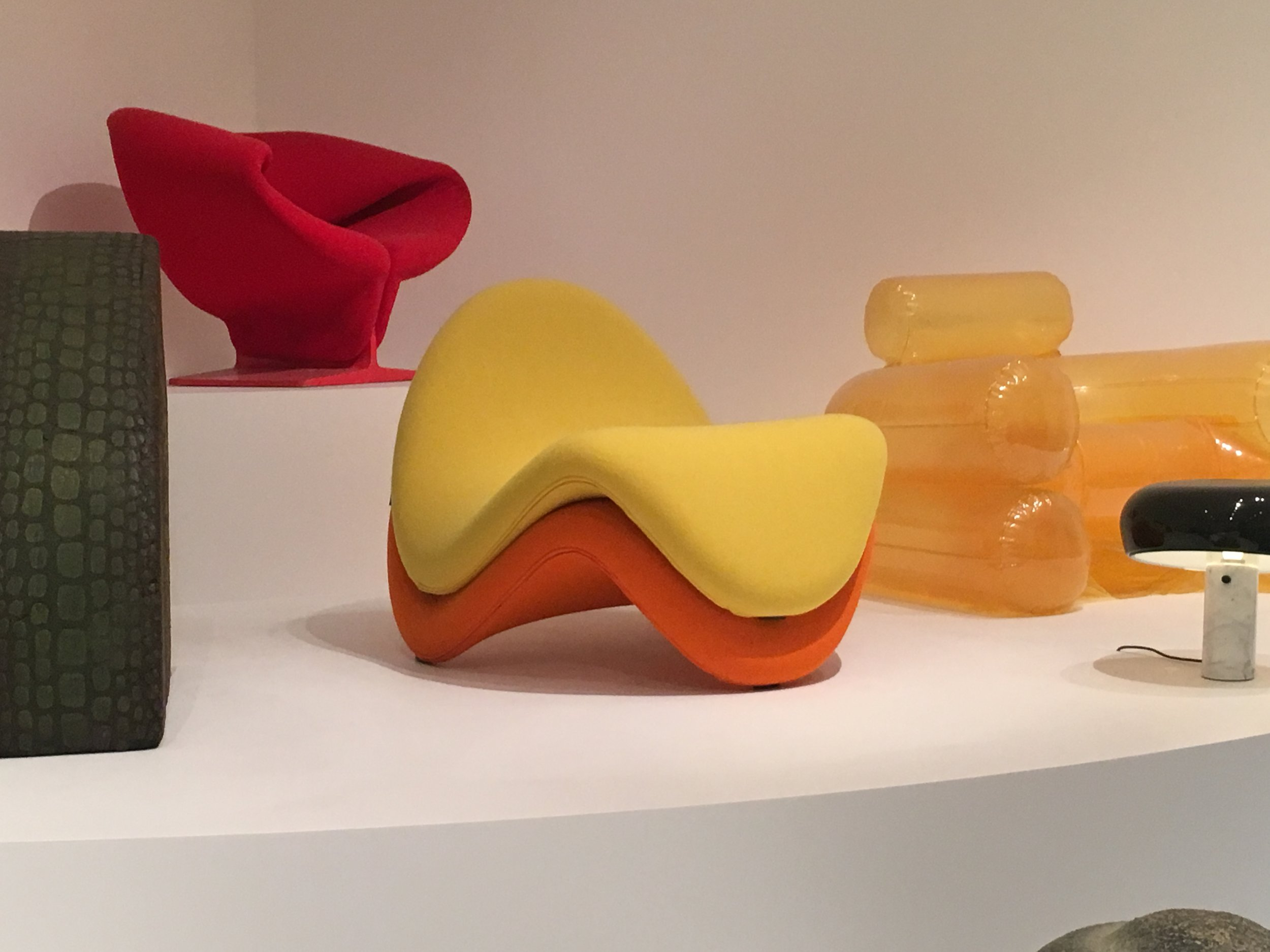 Pierre Paulin, Tongue Chair (model 577), 1967, Artifort, The Netherlands, Wool fabric, latex foam on tubular steel frame, Museum of Modern Art, Object number 453.2008.1 and 453.2008.2