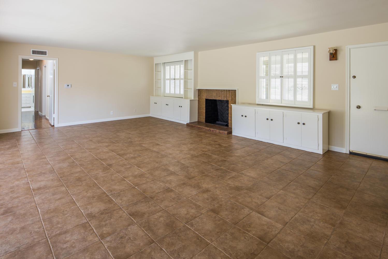 833 Bienveneda Ave Pacific-large-004-14-Living Room-1499x1000-72dpi.jpg