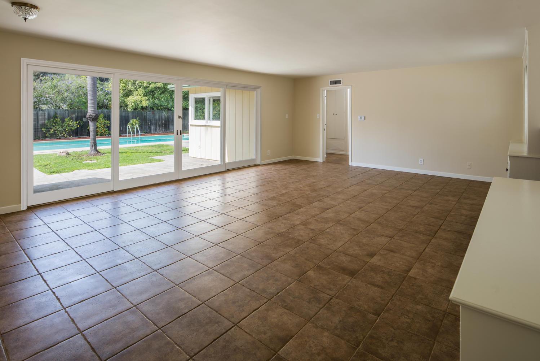 833 Bienveneda Ave Pacific-large-003-13-Living Room-1499x1000-72dpi.jpg