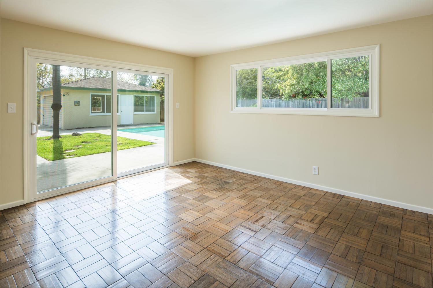 833 Bienveneda Ave Pacific-large-015-21-Master Bedroom-1500x1000-72dpi.jpg