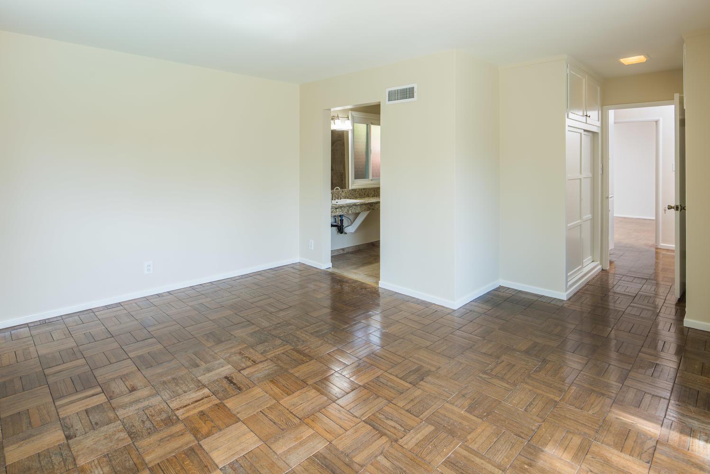 833 Bienveneda Ave Pacific-large-016-23-Master Bedroom-1499x1000-72dpi.jpg