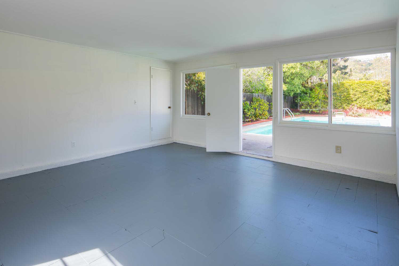 833 Bienveneda Ave Pacific-large-025-7-Converted Garage-1499x1000-72dpi.jpg