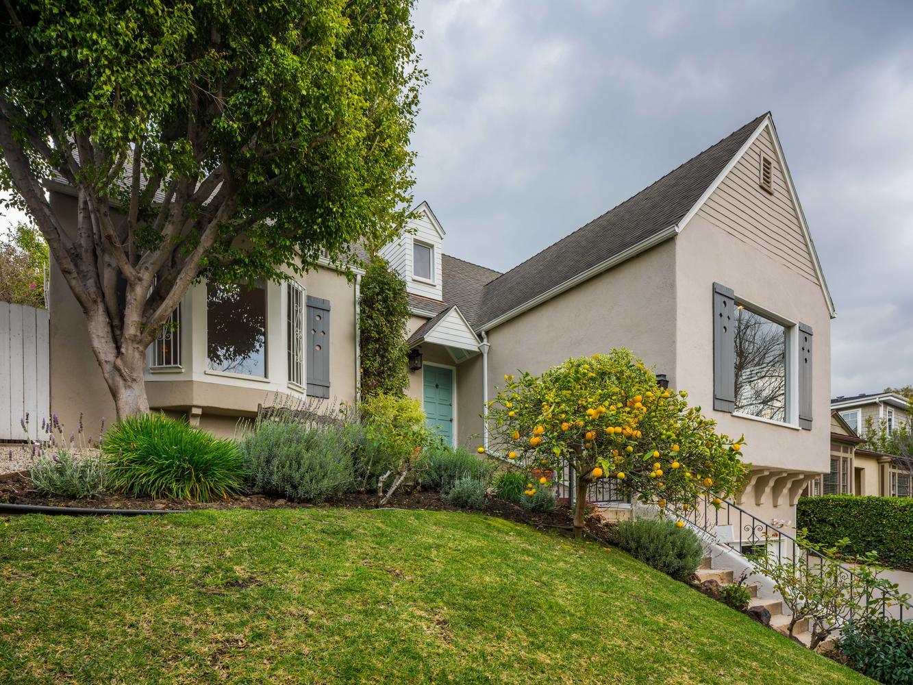 10558 Putney Rd Los Angeles CA-large-002-3-Exterior-1334x1000-72dpi.jpg