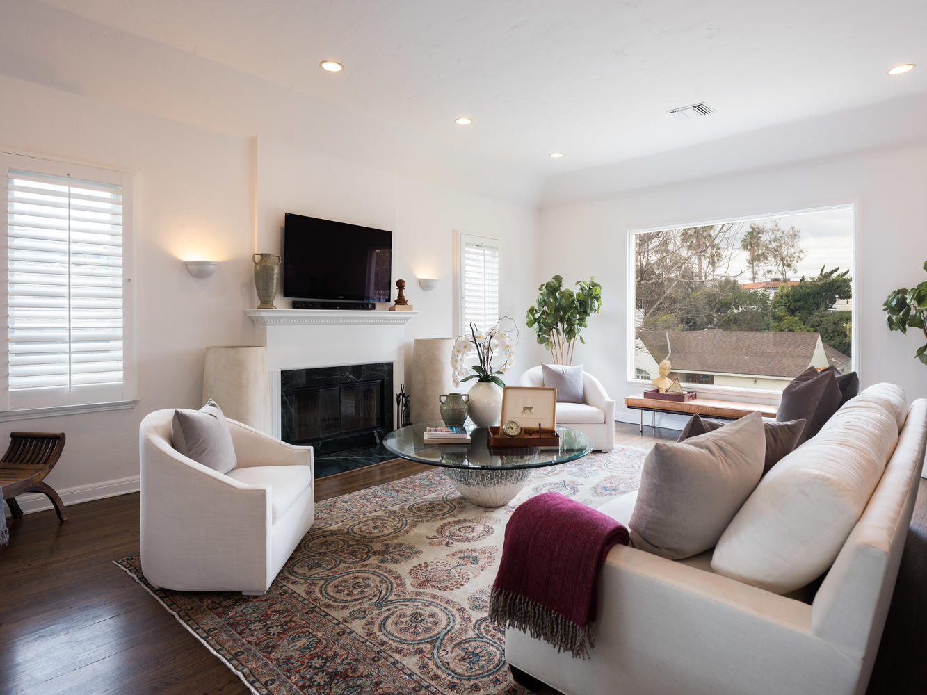 10558 Putney Rd Los Angeles CA-large-003-20-Living Room-1334x1000-72dpi.jpg