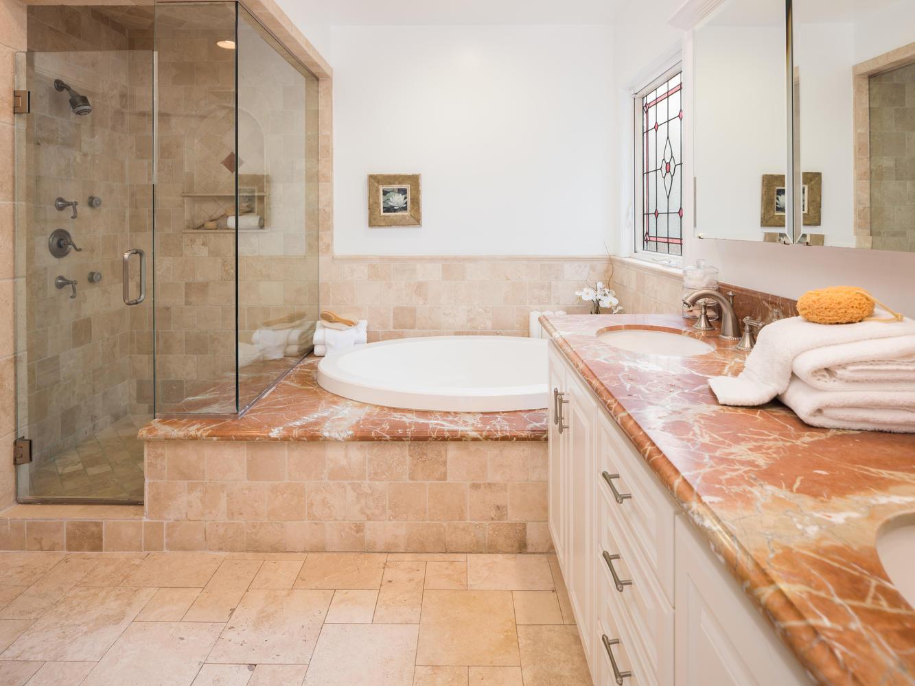 10558 Putney Rd Los Angeles CA-large-017-8-Master Bath-1334x1000-72dpi.jpg