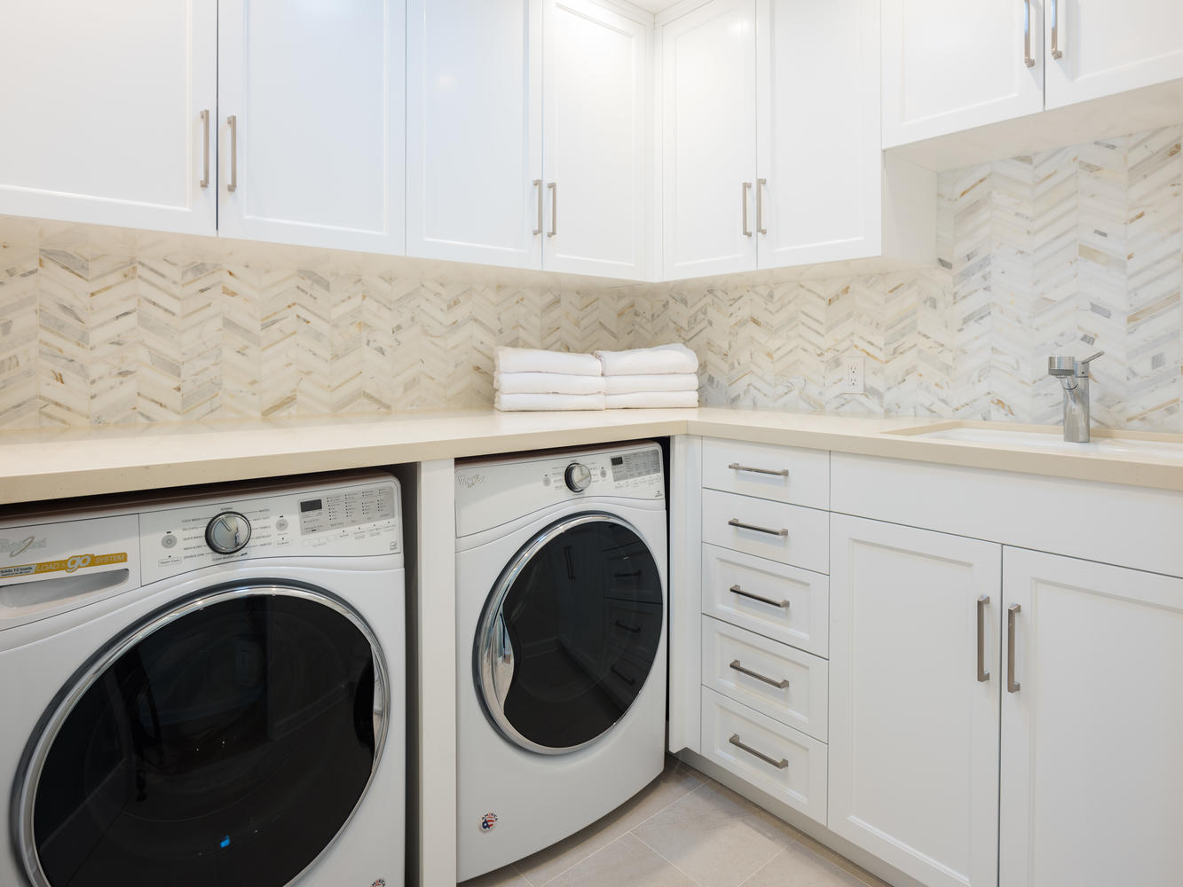 571 Radcliffe Ave Pacific-large-029-14-Laundry Room-1334x1000-72dpi.jpg