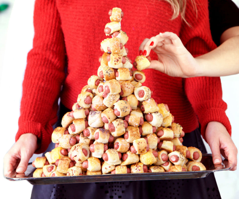 Pigs in Blanket Tower, Delish