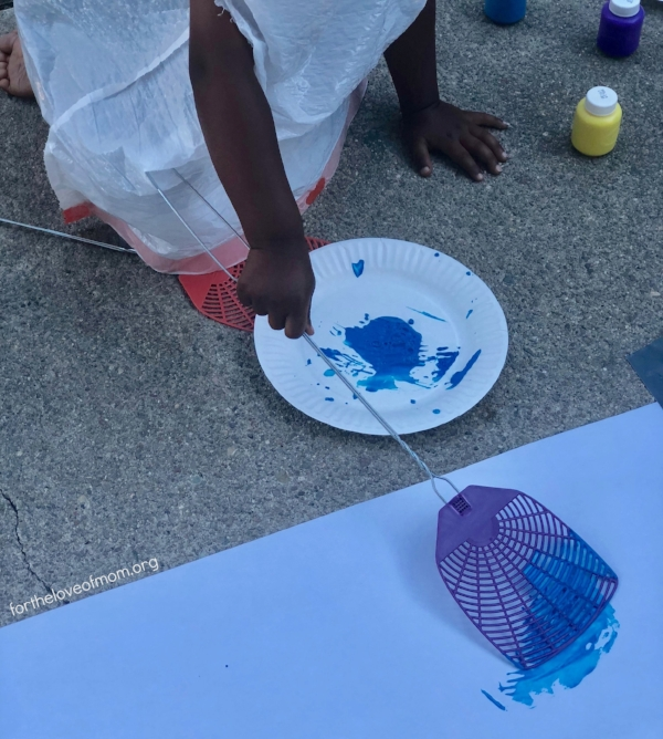 A Unique Painting Activity for Toddlers and Preschoolers - fortheloveofmom.org