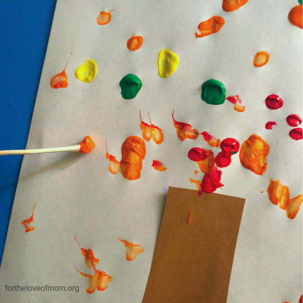 Fall Q-Tip Tree for Preschooler - For the Love of Mom - fortheloveofmom.org