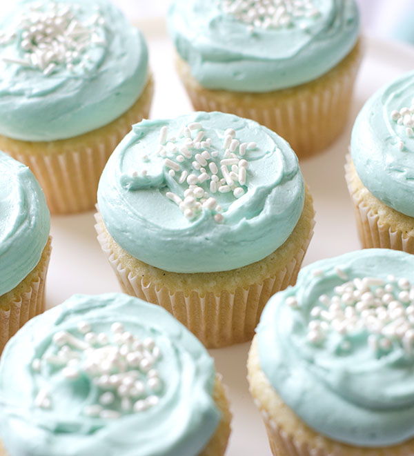 Vanilla-Cupcakes-5.jpg