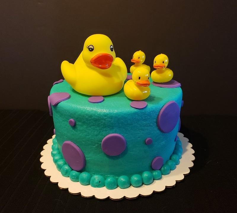 Duckies cake (2).jpg