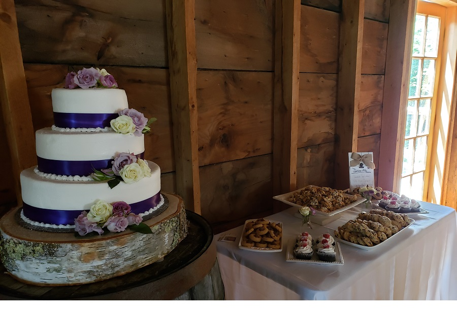 wedding cake and table-900px.w.jpg