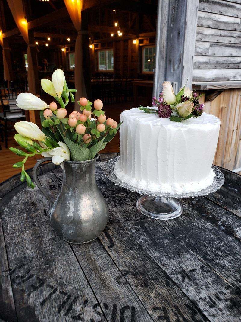 wed cake_195840.jpg