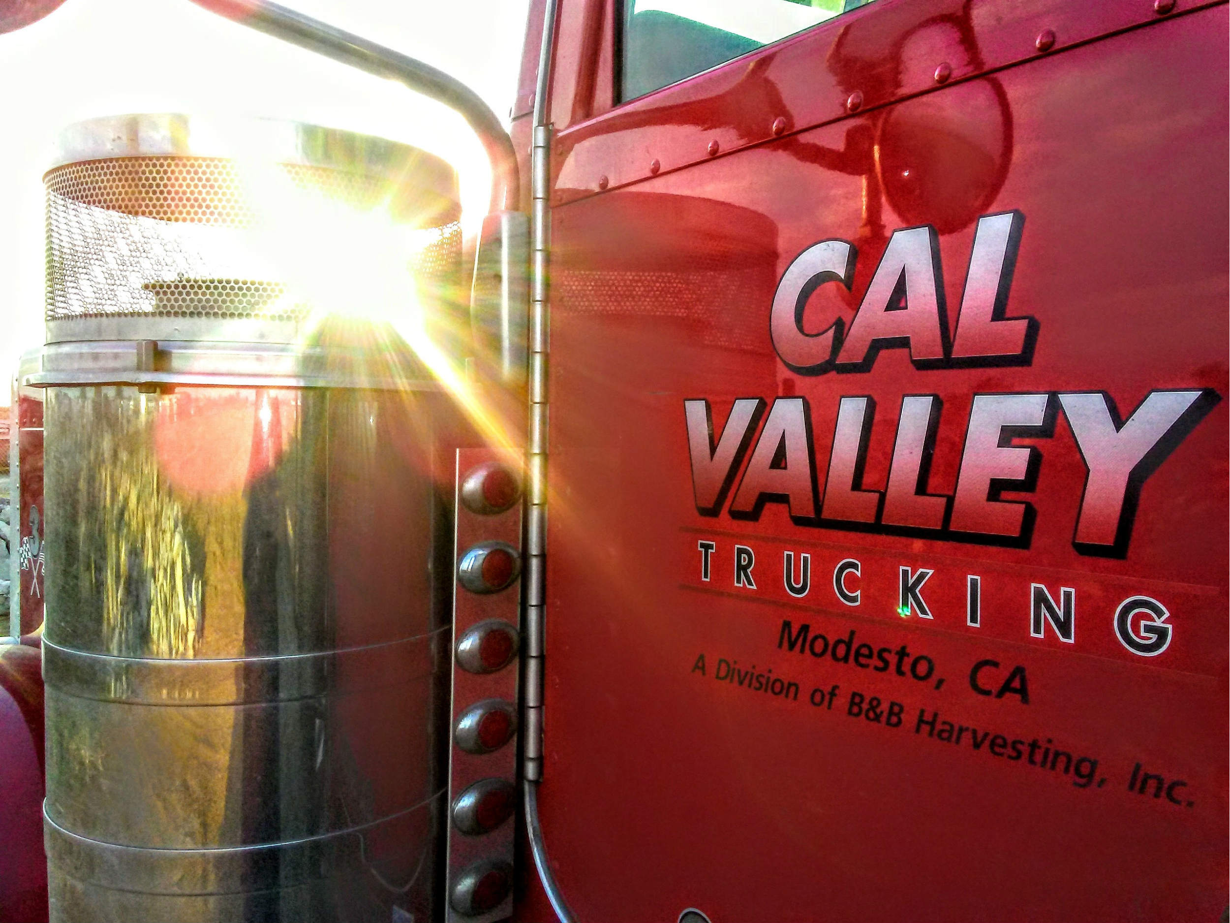 cal-valley-trucking-peterbilt-389-b-and-b-harvesting.jpg
