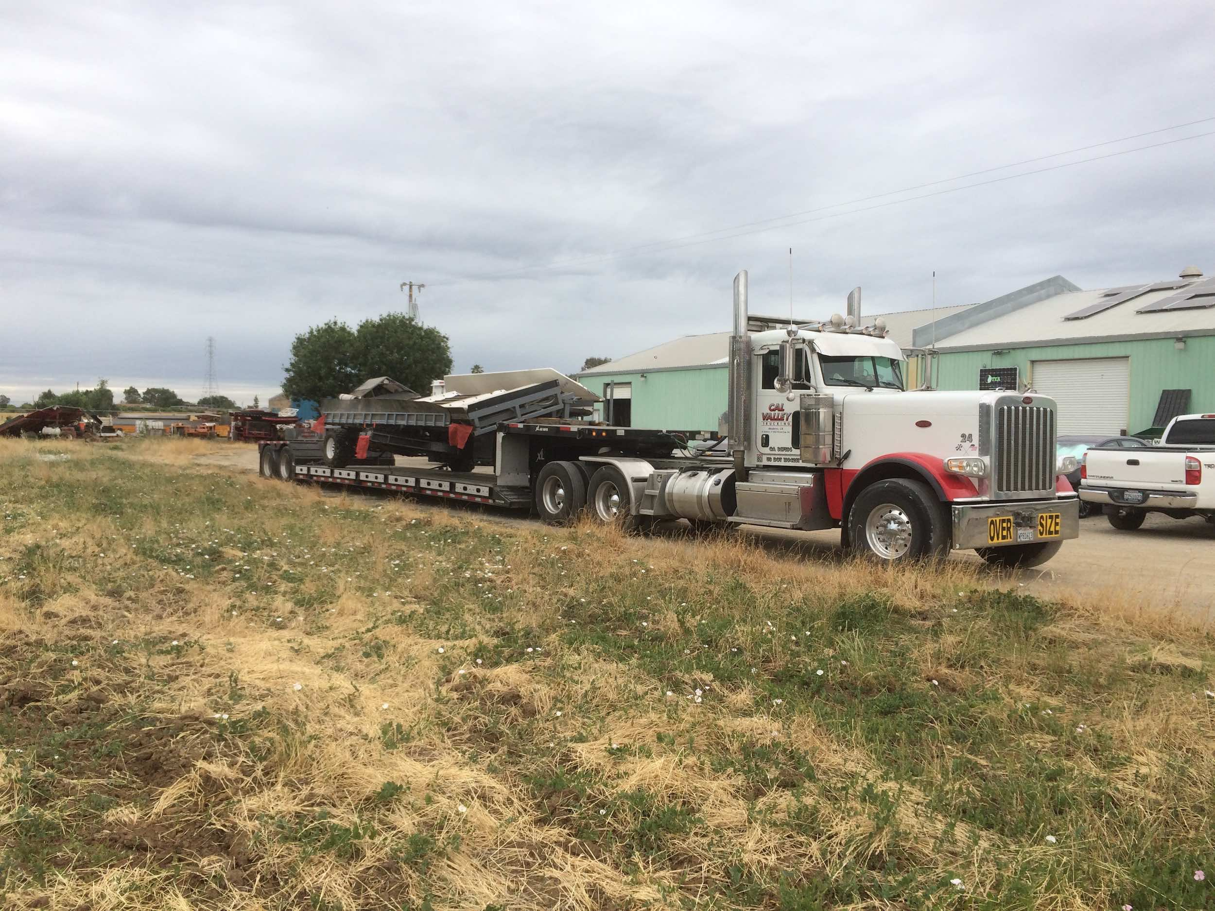 peterbilt-389-xl-specialized-rgn-grape-harvester.jpg