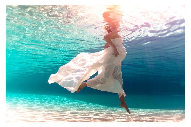 underwater pregnancy.jpg