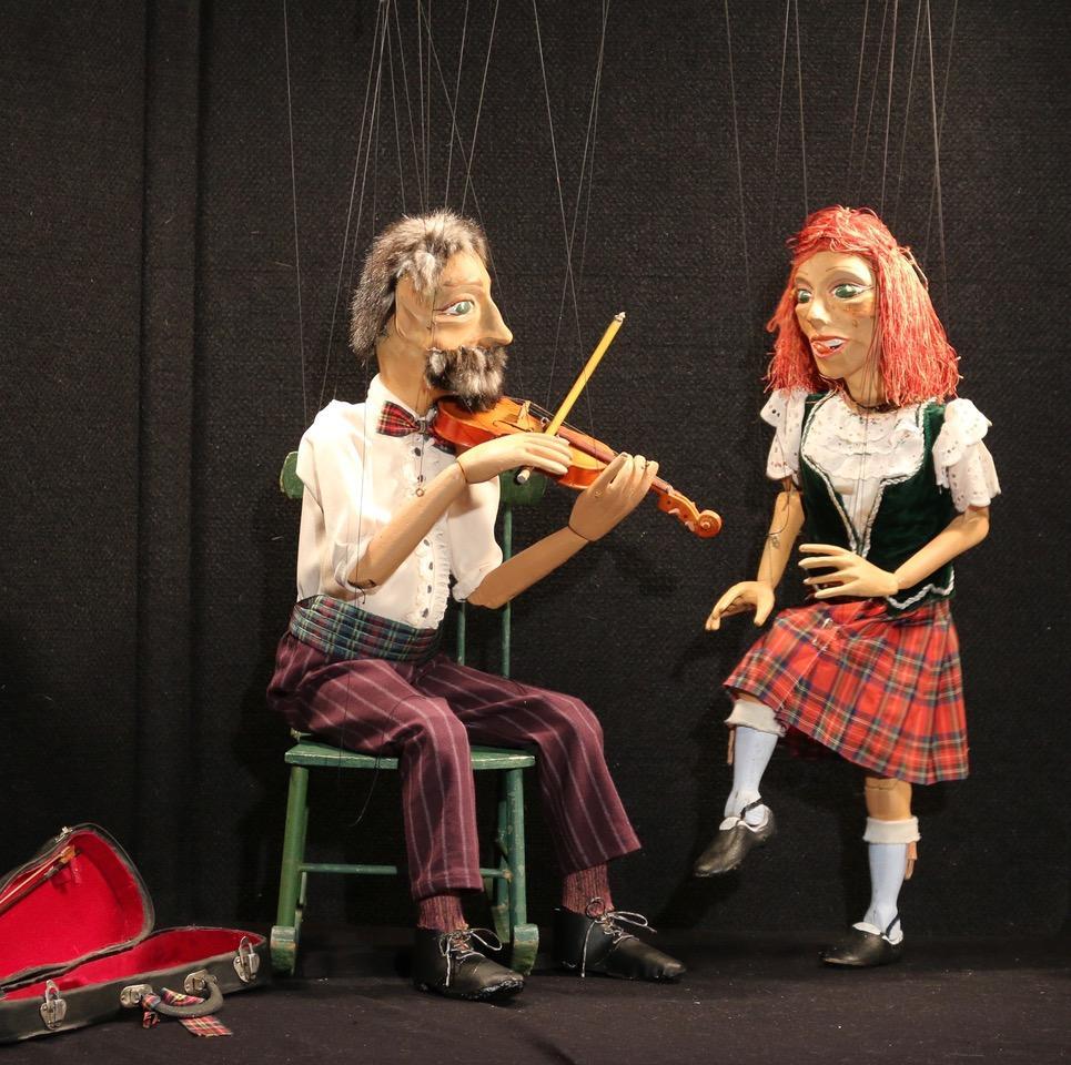 marionettes 2019.jpg