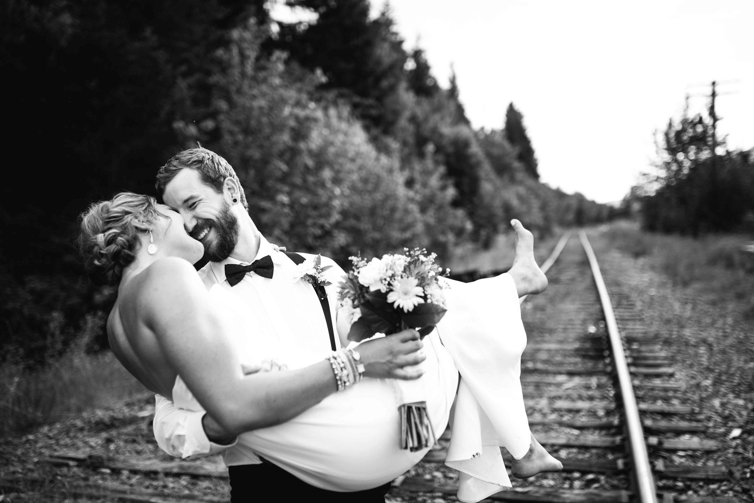 shuswap-wedding-photography-30.jpg