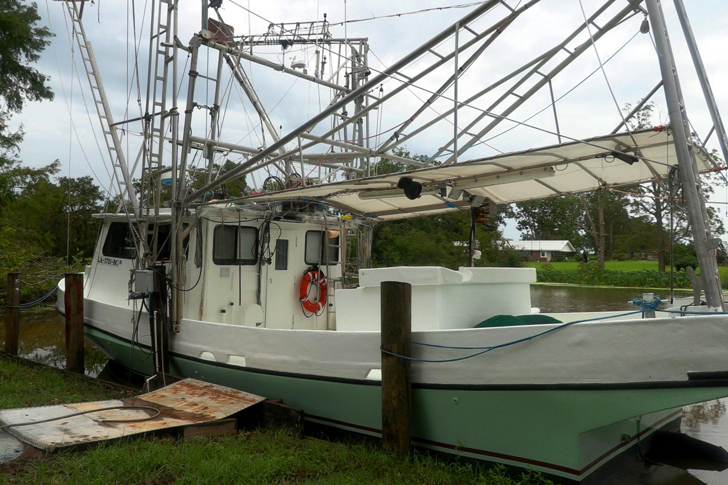 SquarespaceImage19-marinefisheries-shrimpboat.jpg
