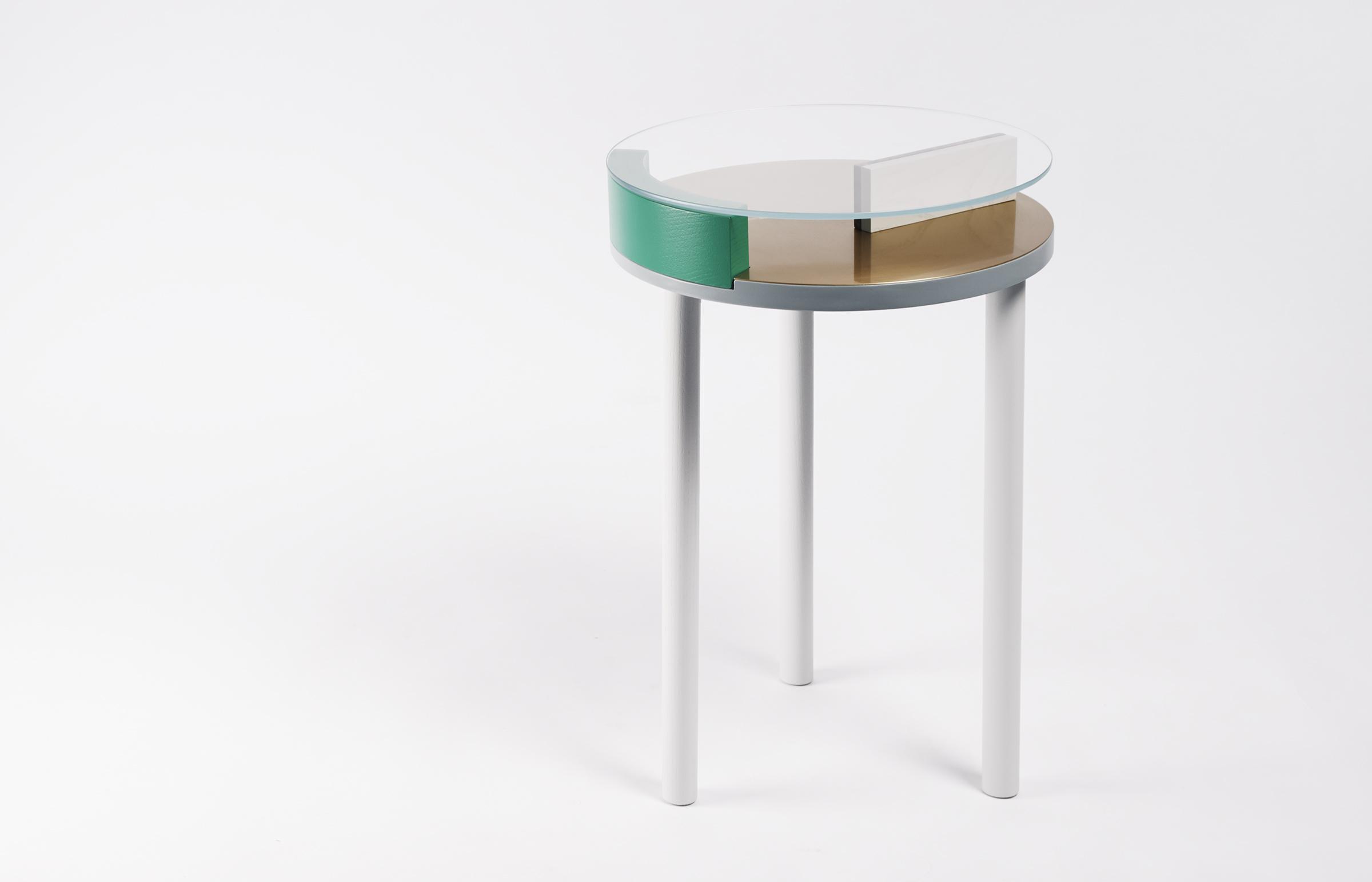 ora-table-05-zoemowat.jpg