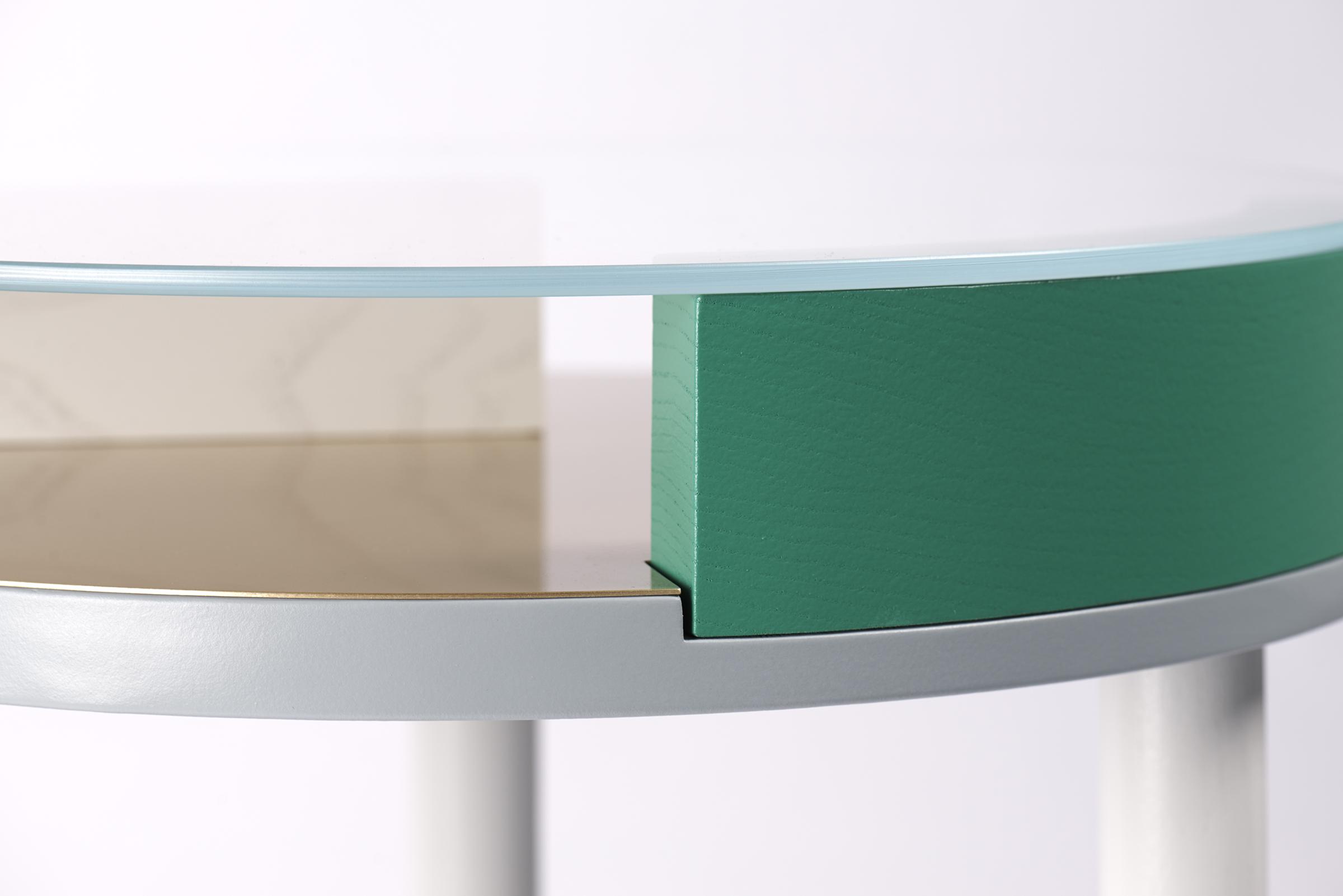 ora-table-09-zoemowat.jpg