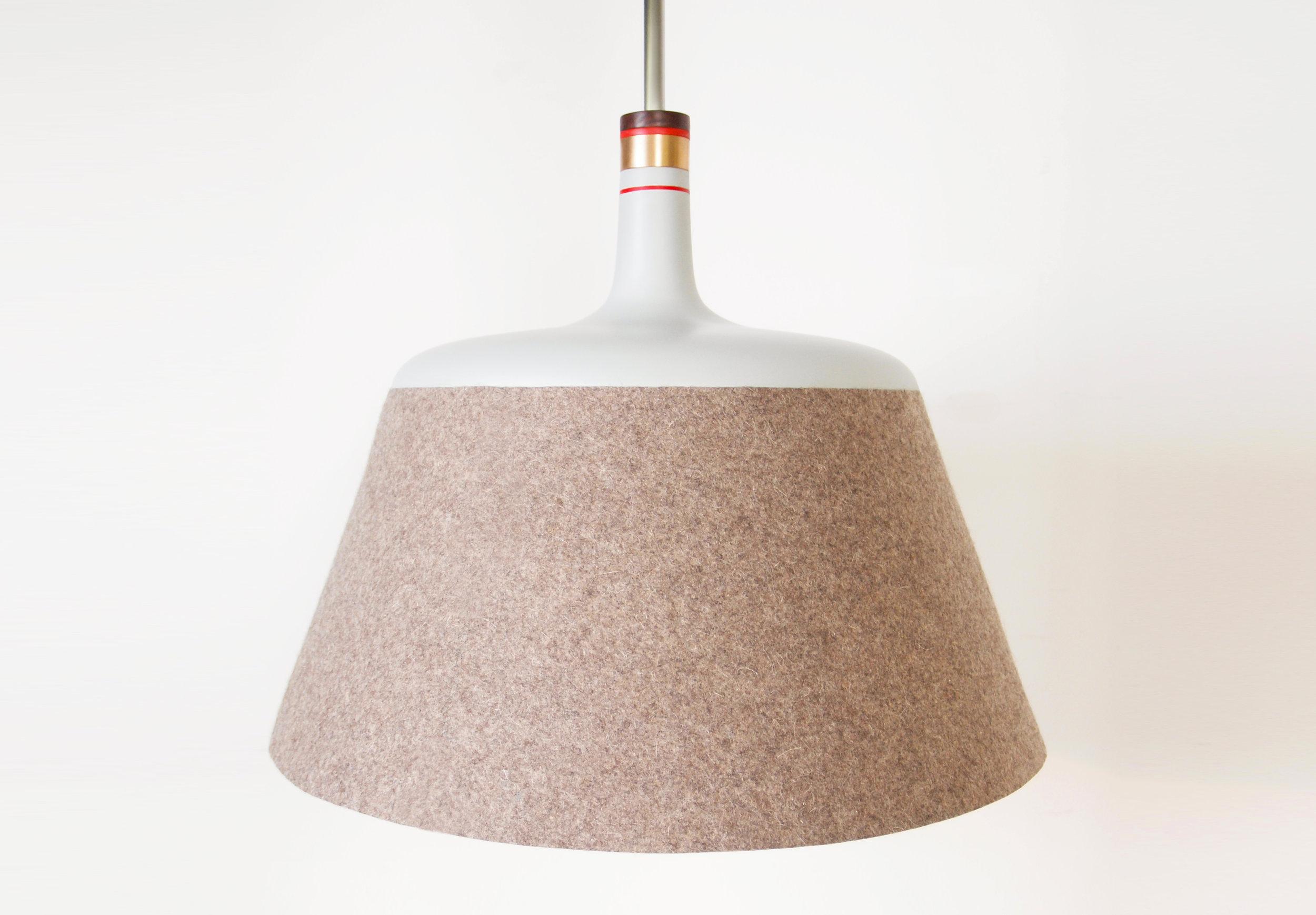 Zoë Mowat — Stratus lamp 1.jpg