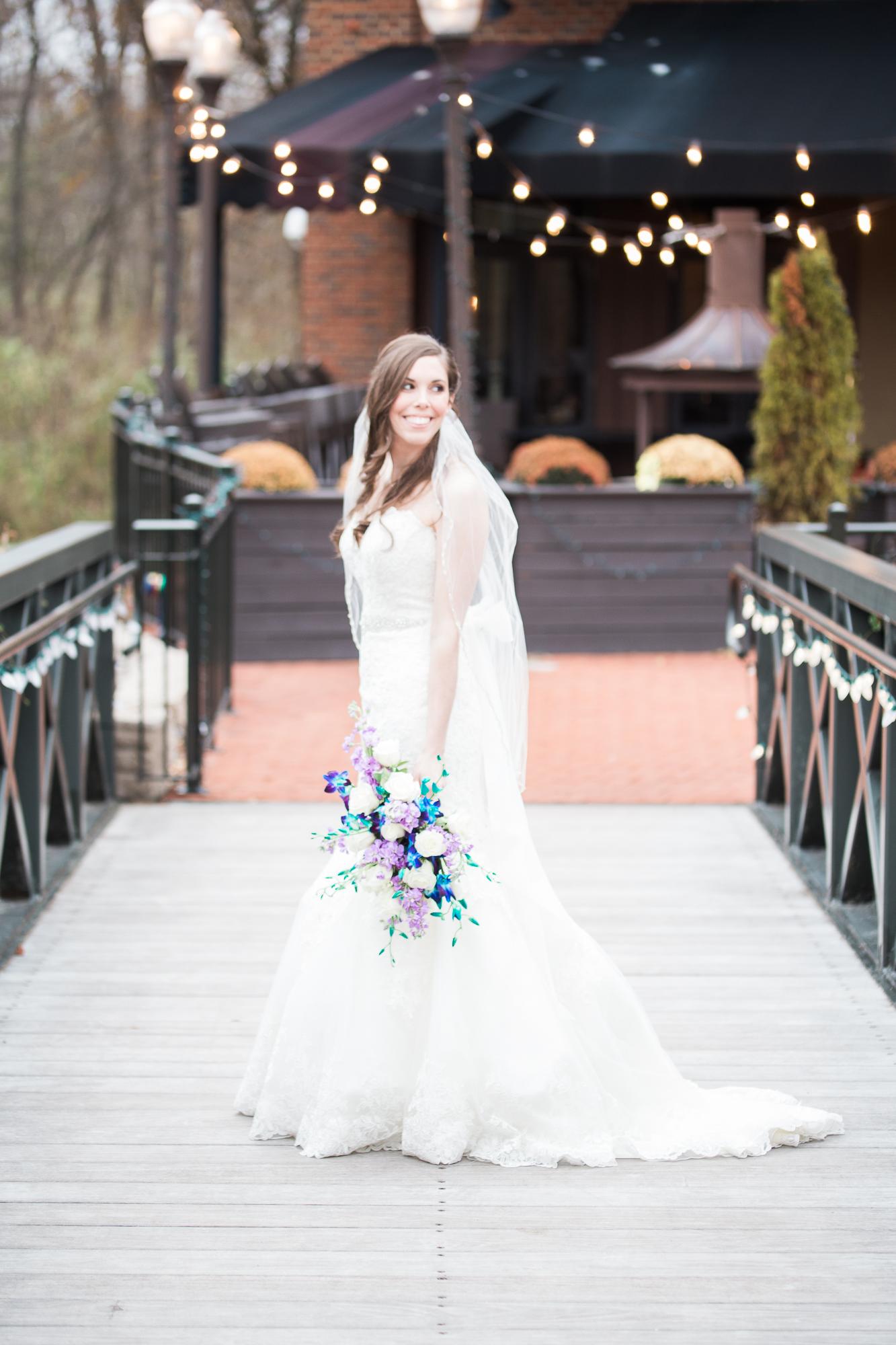 fall-wedding-outdoor-november-wedding-bride-creekside-conference-roxanna-sue-photos-1.jpg