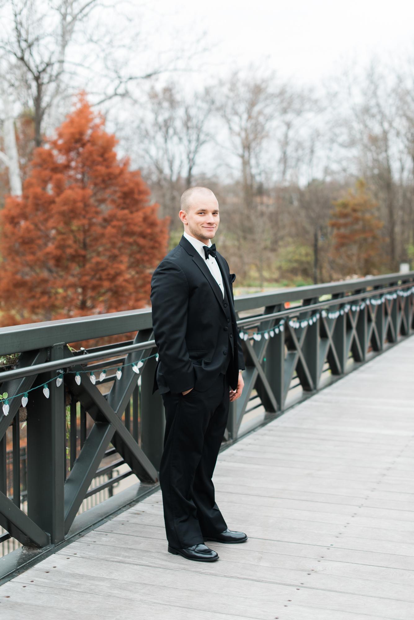 columbus-groom-portraits-ohio-photographer-roxanna-sue-photos-1.jpg