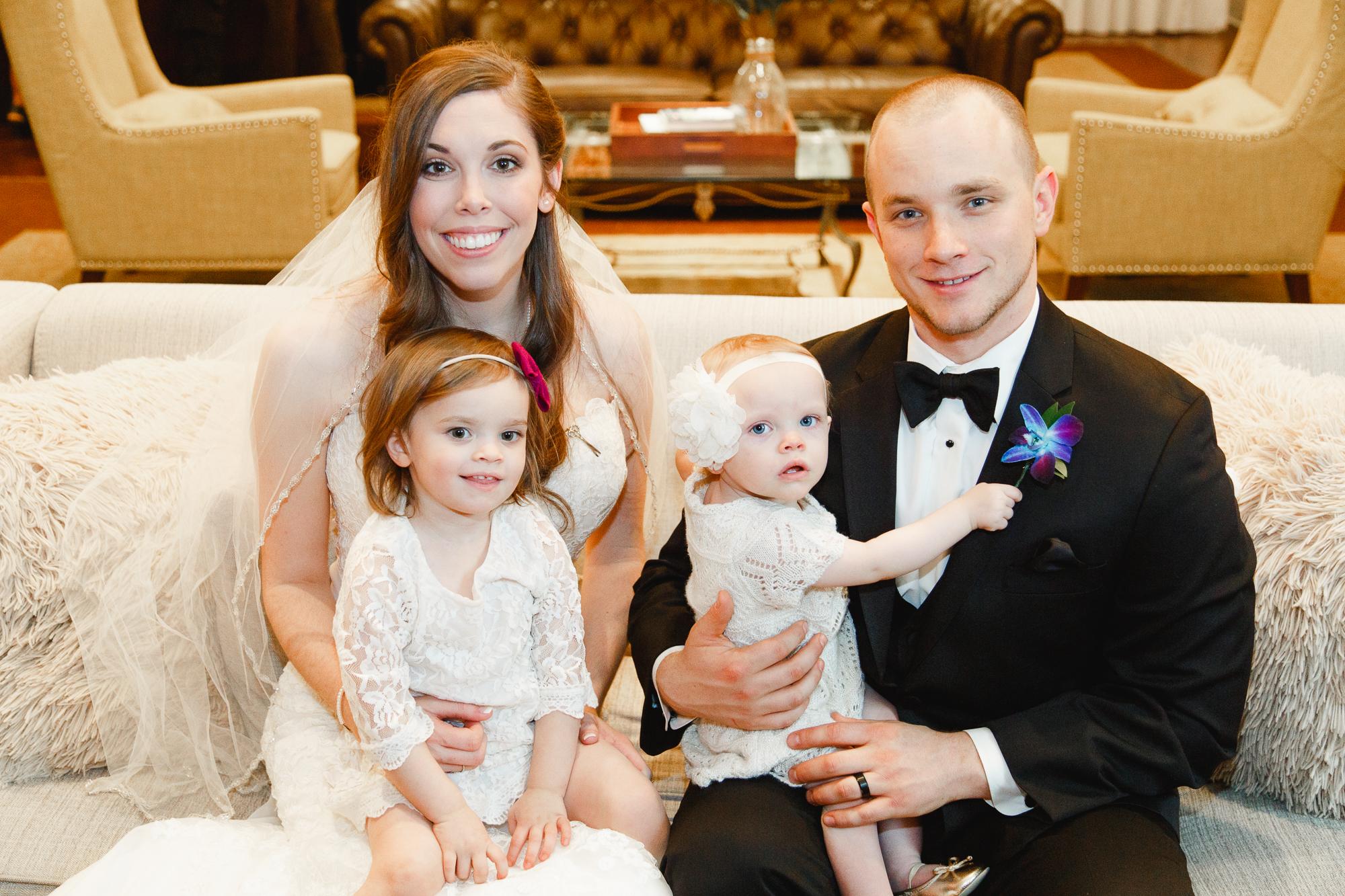 a-columbus-wedding-family-indoor-photography-1.jpg