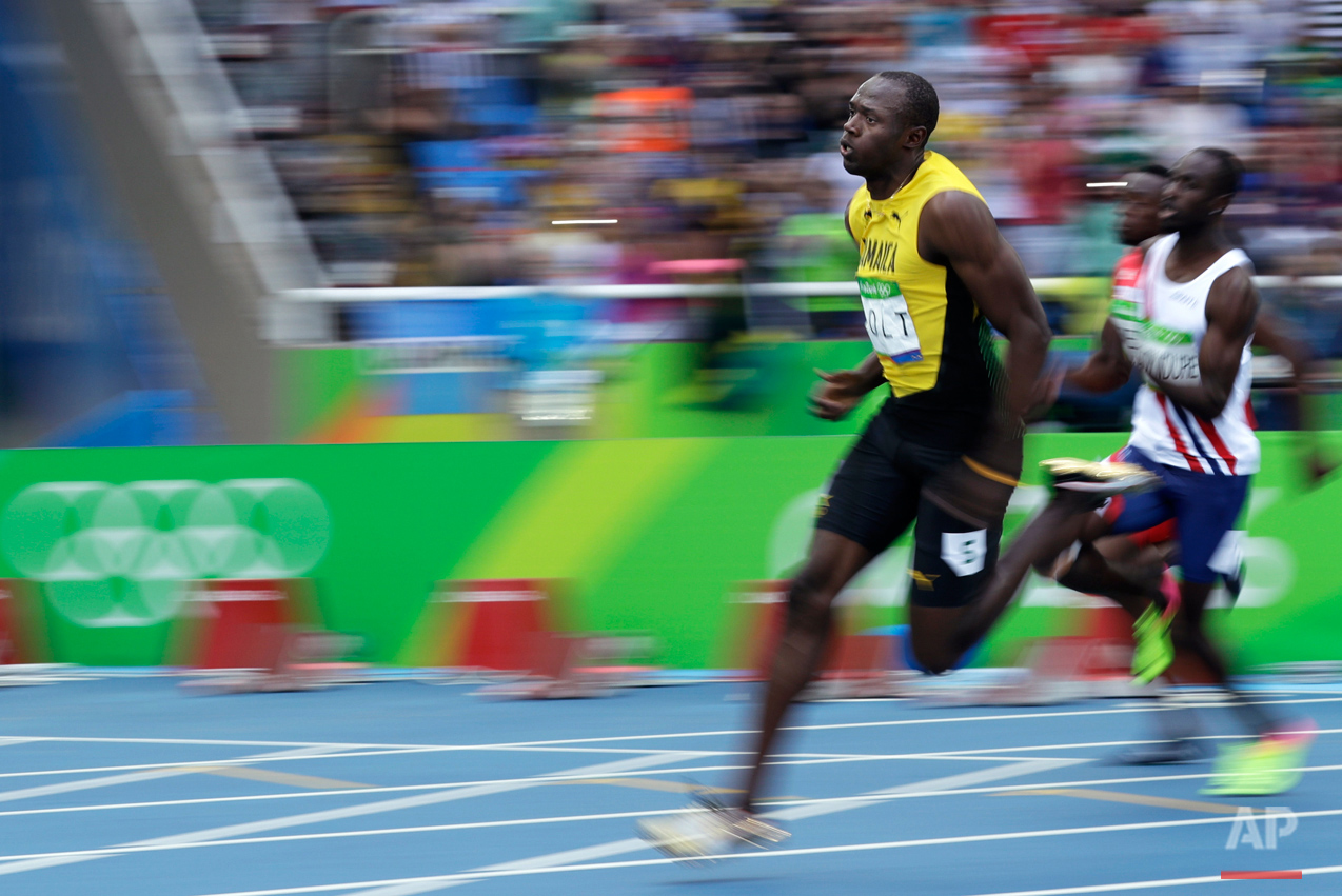 Jamaica's Usain Bolt competes in a men's 200-meter heat during the athletics competitions of the 2016 Summer Olympics at the Olympic stadium in Rio de Janeiro, Brazil, Tuesday, Aug. 16, 2016. (AP Photo/Matt Dunham)