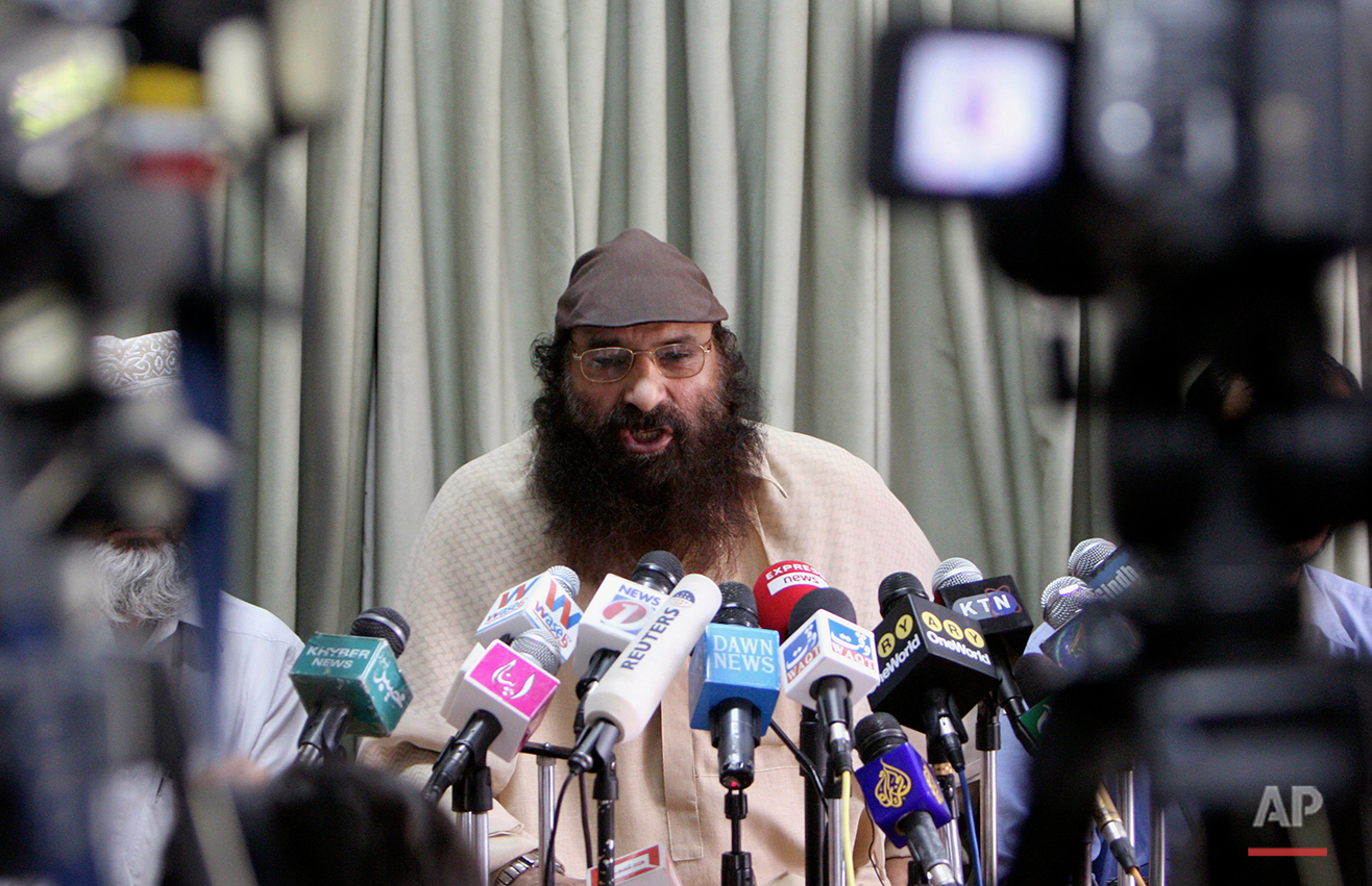 Syed Salahuddin, supreme commander of Pakistani Kashmiri militant group Hizbul Muhajideen, gestures during a press conference in Karachi, Pakistan on Monday, March, 31, 2008. Salahuddin pledged the ongoing jihad in Kashmir to continue as 'the war is for the survival of Muslim nation. Sallahuddin called upon all the political parties in Indian held Kashmir to boycott the upcoming elections else they would further intensify their attacks on Indian army. (AP Photo/Shakil Adil)