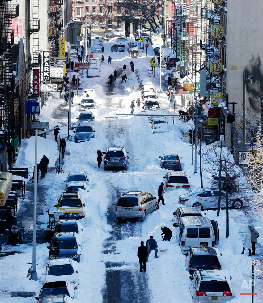 APTOPIX Big Snowstorm NY
