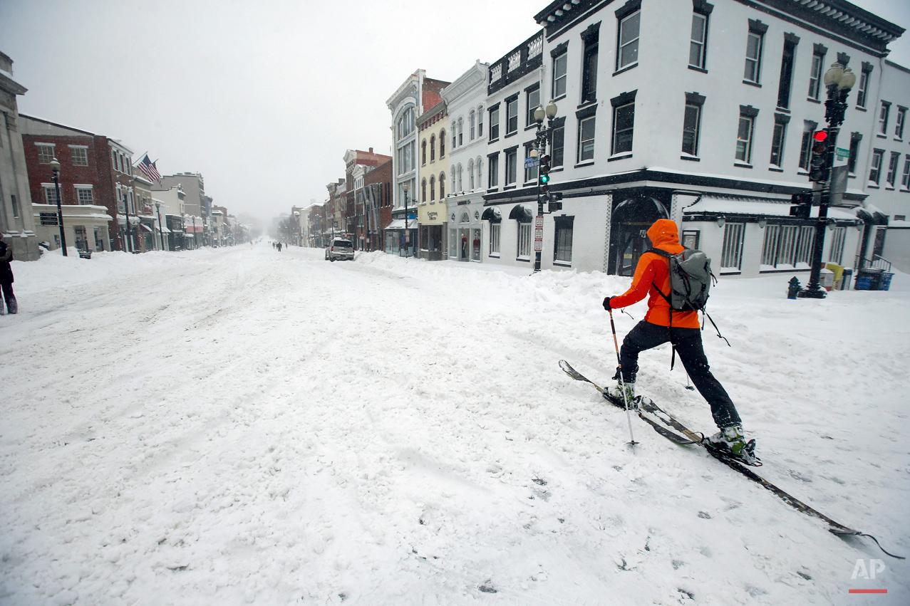 APTOPIX Big Snowstorm