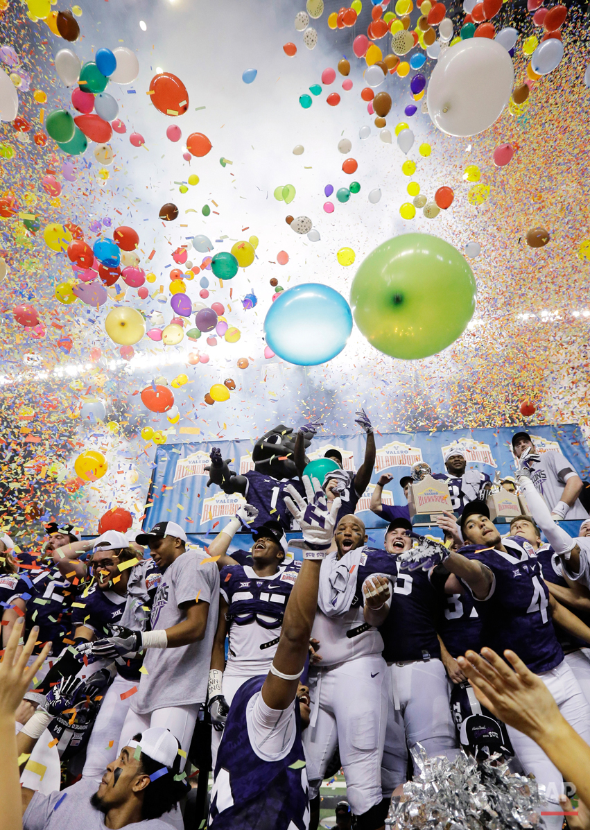 APTOPIX Alamo Bowl Football