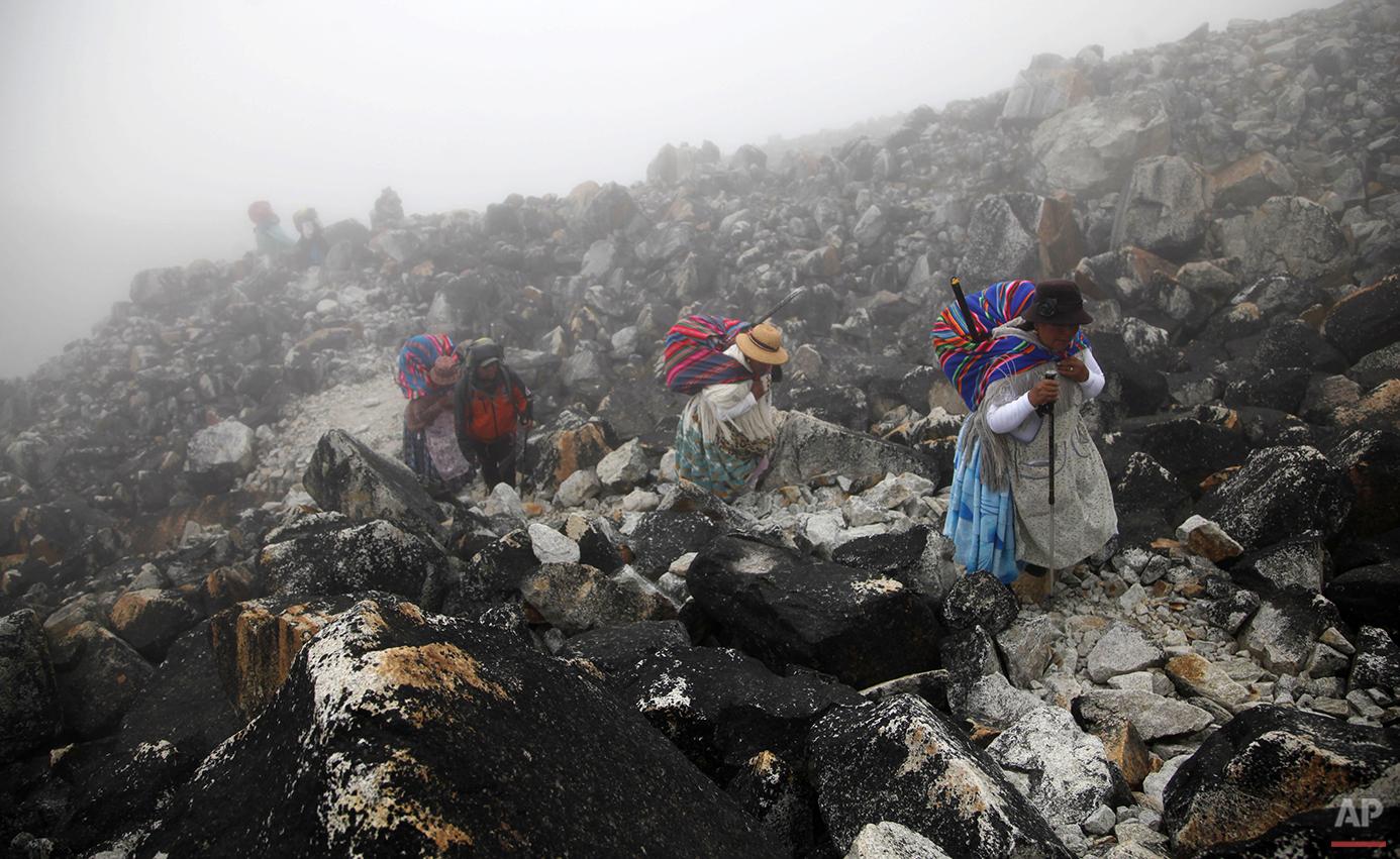 APTOPIX Bolivia Cholita Mountain Climbers Photo Gallery