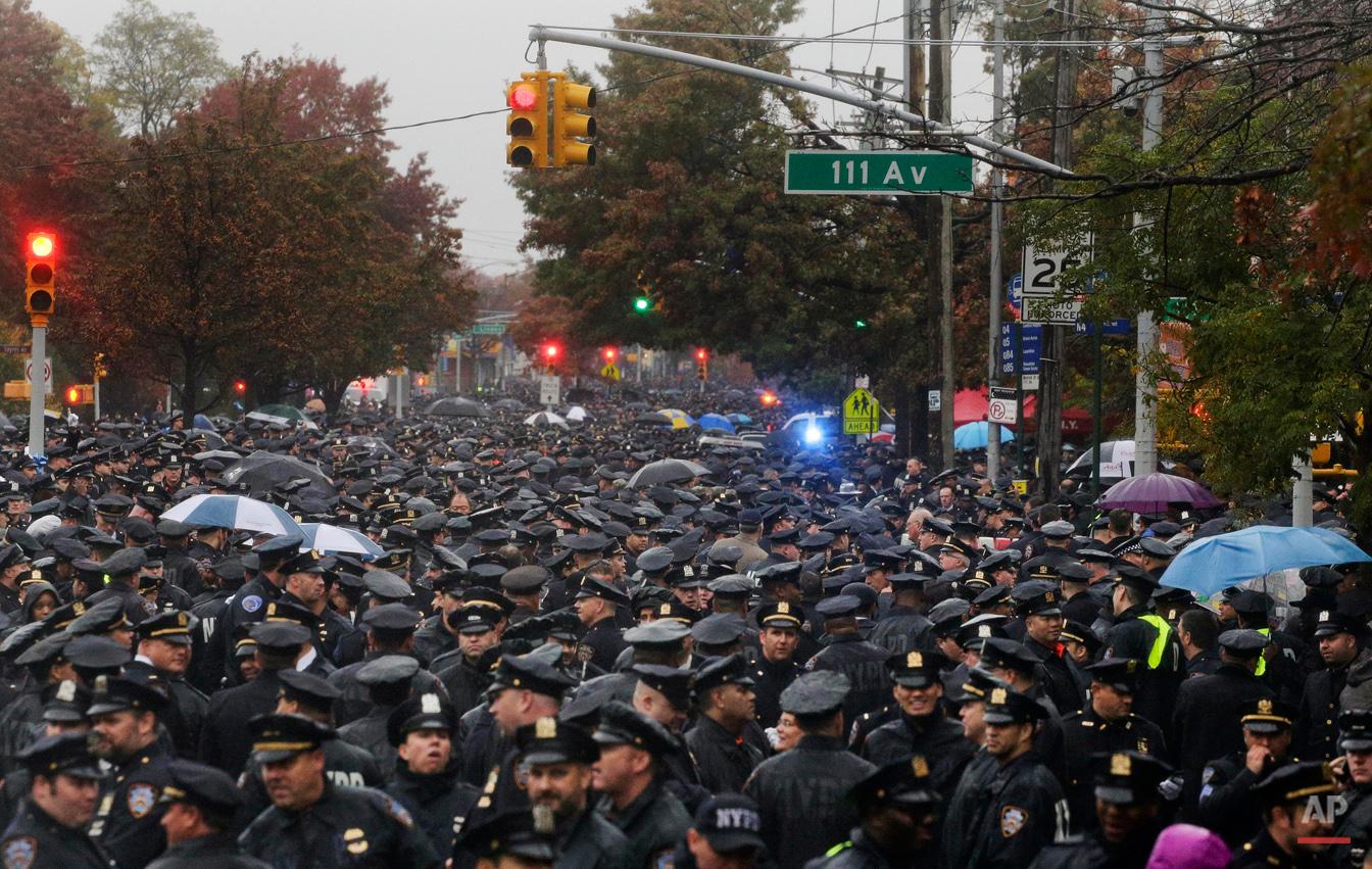 APTOPIX Manhattan Officer Shot