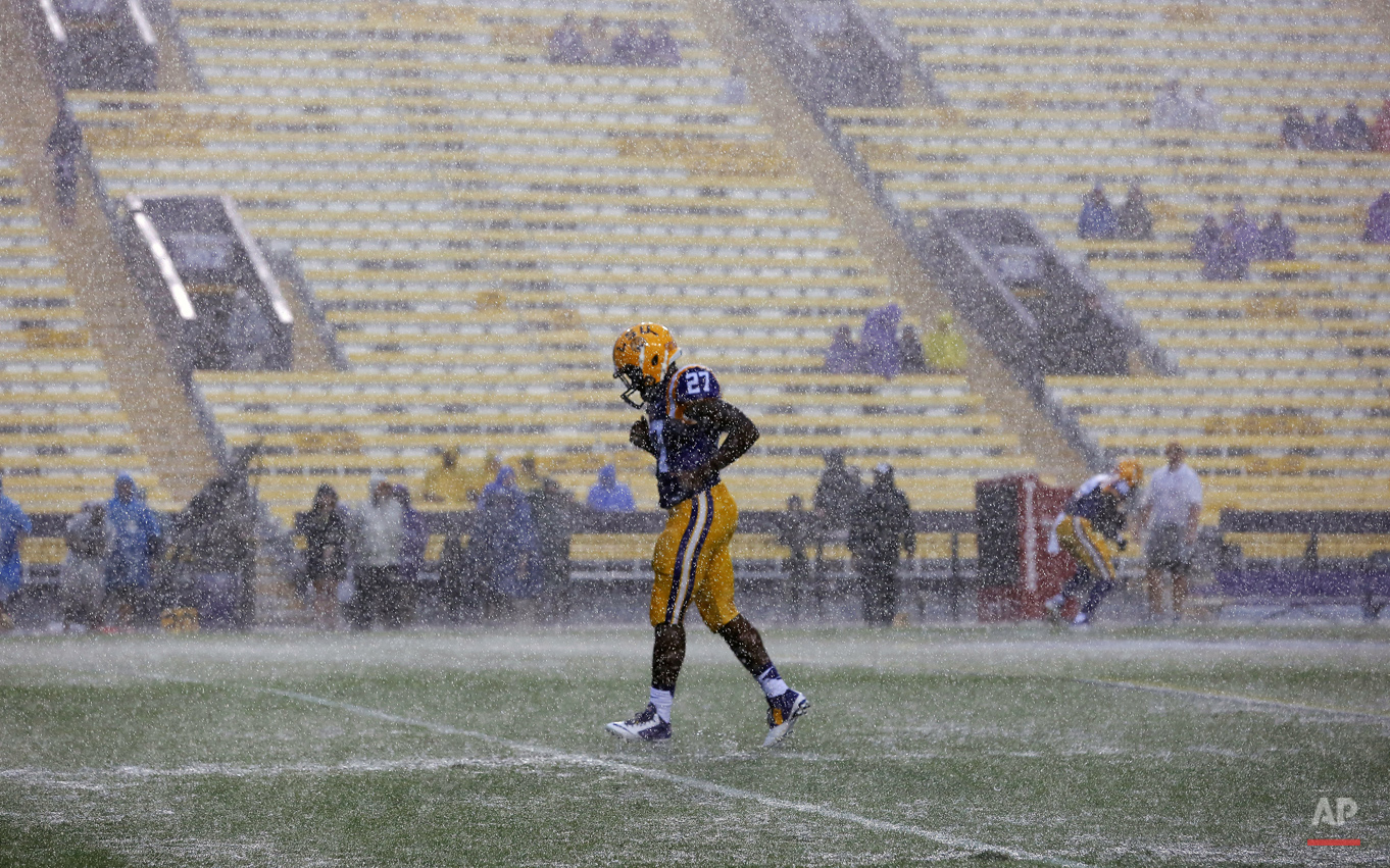 APTOPIX W Kentucky LSU Football