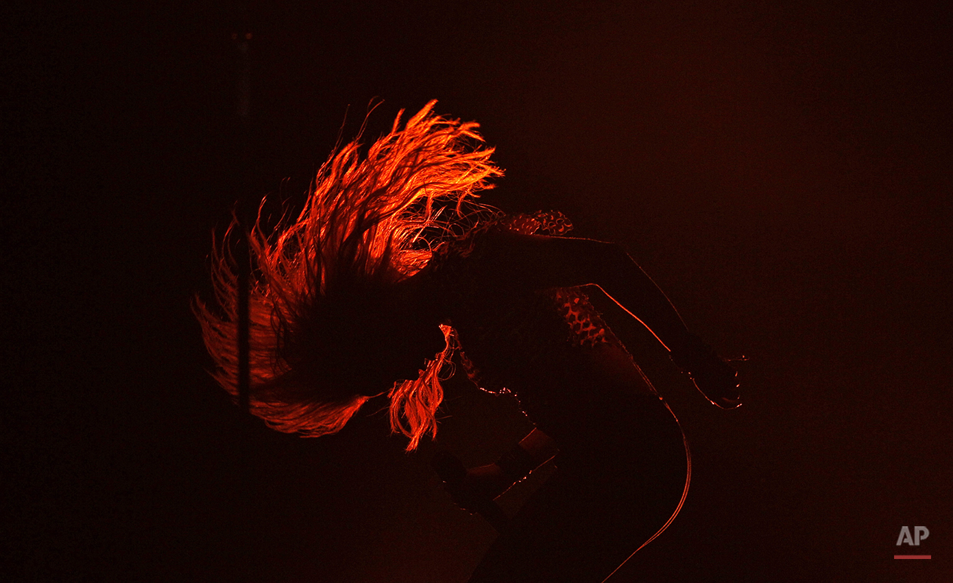 Colombia's singer Shakira performs during a concert in Buenos Aires, Argentina, Saturday, March 5, 2011. Shakira  is on a tour promoting her album 'Sale el sol'. (AP Photo/Natacha Pisarenko)