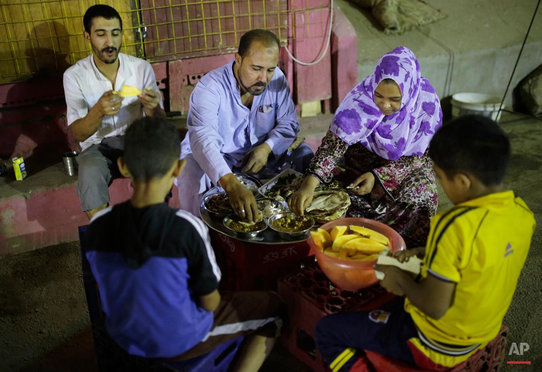 Mideast Egypt Ramadan Dawn Caller Photo Gallery