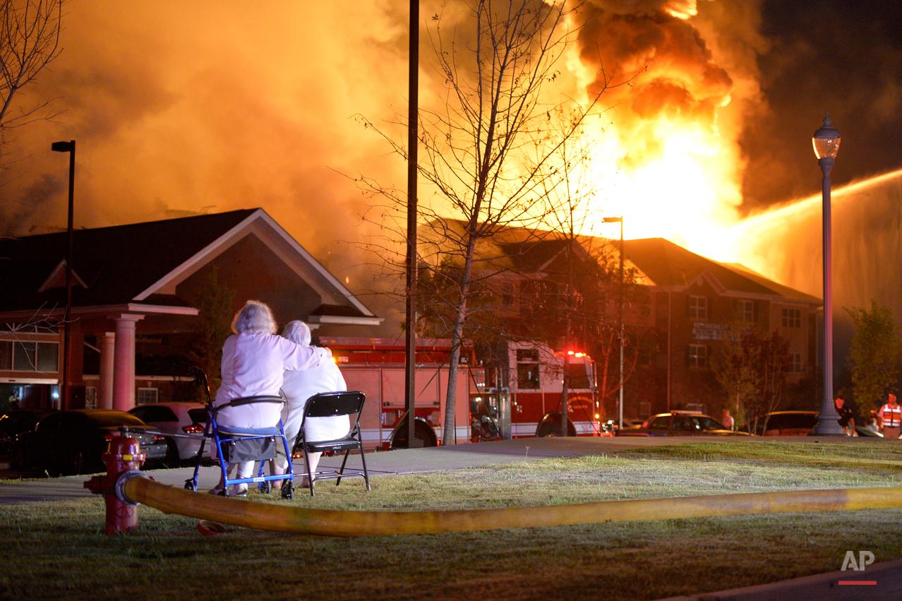 APTOPIX Retirement Community Fire