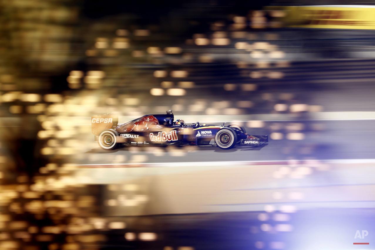 APTOPIX Mideast Bahrain F1 GP Auto Racing