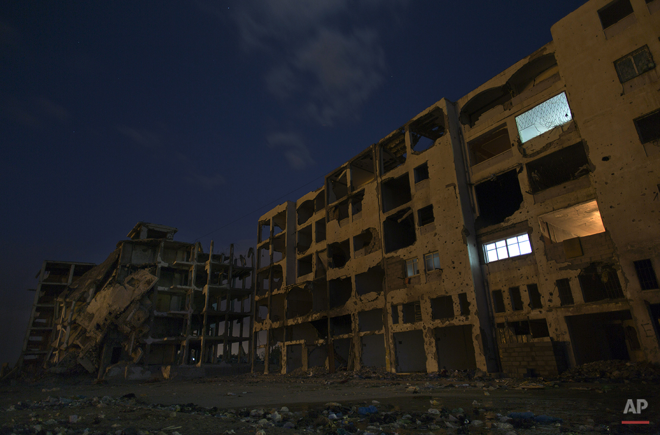APTOPIX Mideast Gaza Returning Home